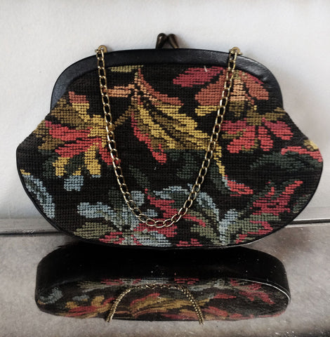 VINTAGE FLORAL & LEAF NEEDLEPOINT / PETTIPOINT TAPESTRY PURSE