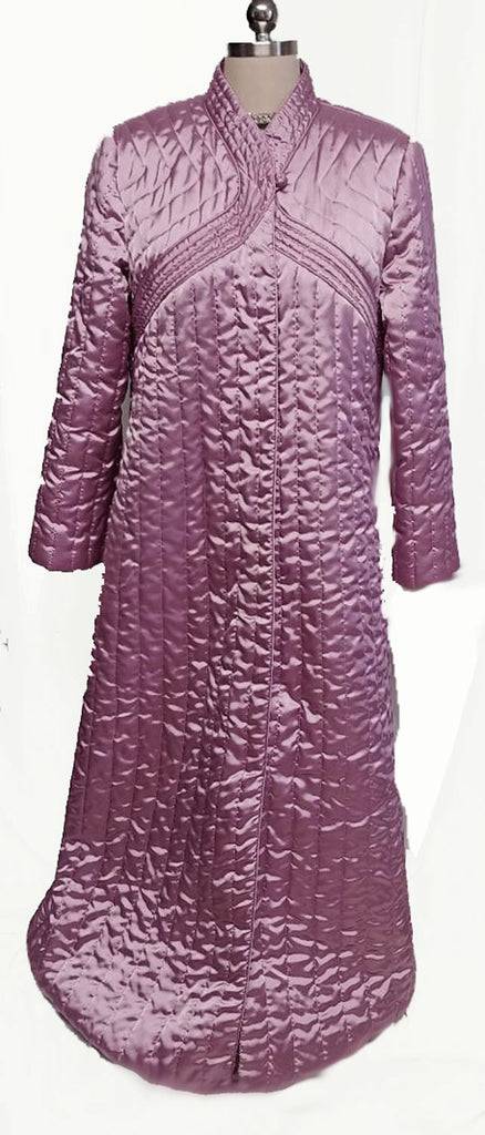 GORGEOUS VINTAGE NEIMAN MARCUS QUILTED ROBE IN STERLING SILVER ROSE- LIKE NEW