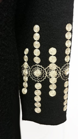 GORGEOUS SOPHISTICATED NEIMAN MARCUS EXCLUSIVE WOOL COAT ADORNED WITH CREAM WOVEN ACCENTS