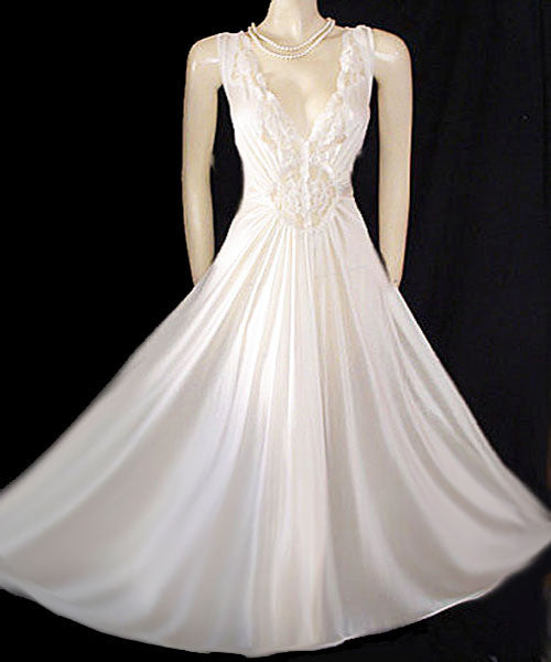 4e0d90fb8 VINTAGE OLGA-LOOK ADONNA BRIDAL NIGHTGOWN RARE SIZE 3X - EXTRA EXTRA EXTRA  LARGE – X X X LARGE - LACE SPANDEX IN ICE CRYSTALS GRAND SWEEP