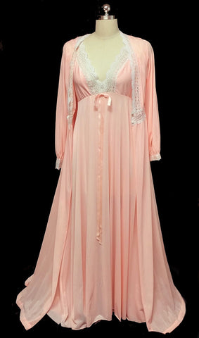 VINTAGE OLGA  HOLLYWOOD STYLE PEIGNOIR & NIGHTGOWN SET IN PEACHES 'N CREAM