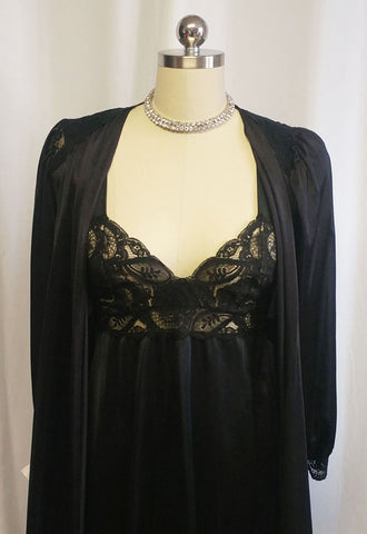 VINTAGE OLGA SPANDEX LACE PEIGNOIR & NIGHTGOWN IN BLACKBERRY