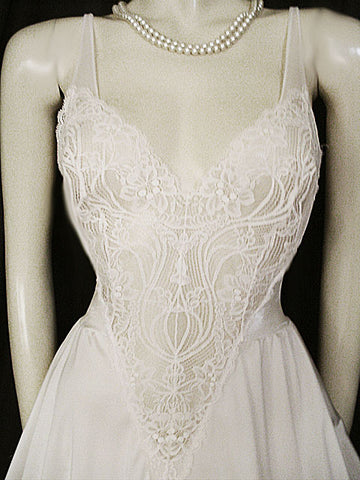 VINTAGE OLGA BRIDAL ALL LACE BODICE SPANDEX NIGHTGOWN WITH SHEER BACK IN OYSTER - SIZE MEDIUM