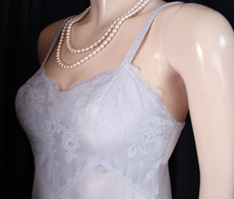 "VINTAGE OLGA ""SLEEPING PRETTY"" LACE BRA NIGHTGOWN IN BLUE MIST"