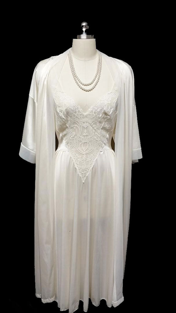 VINTAGE OLGA BRIDAL ALL LACE BODICE SPANDEX NIGHTGOWN WITH SHEER BACK AND PEIGNOIR IN WEDDING BELLS - SIZE LARGE