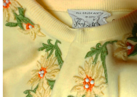 VINTAGE PARK STORYK 1950s / 1960s SWEATER EMBELLISHED WITH EMBROIDERED APPLIQUES & BEADS