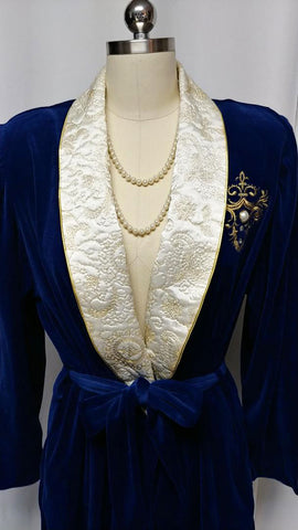 NEW OLD STOCK - VINTAGE KATHLEEN USHERWOOD FOR PERIPHERY IN SAPPHIRE VELVETEEN OR VELOUR ROBE CREAM & GOLD EMBROIDERED LAPELS WITH RHINESTONE & PEARL CREST - GORGEOUS! - PERFECT FOR A GIFT FOR CHRISTMAS OR A BIRTHDAY