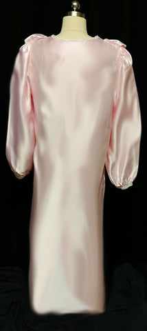 GLAMOROUS VINTAGE SATIN EMBROIDERED RIBBON LACE NIGHTGOWN / DRESSING GOWN IN SHIMMERING PINK