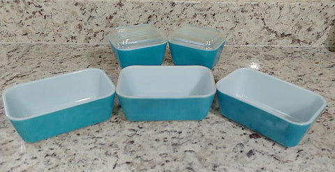 RARE VINTAGE PYREX TURQUOISE 7-PIECE REFRIGERATOR DISH & OVENWARE  SET - 2 WITH GLASS RIBBED LIDS