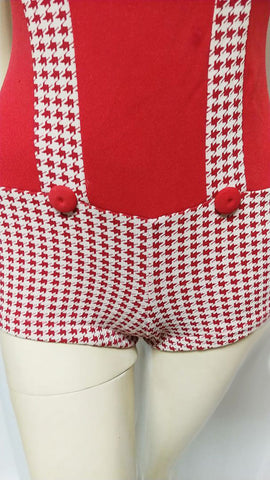 CUTE VINTAGE '50s / '60s RED & WHITE HOUNDSTOOTH BOY SHORTS SWIMSUIT