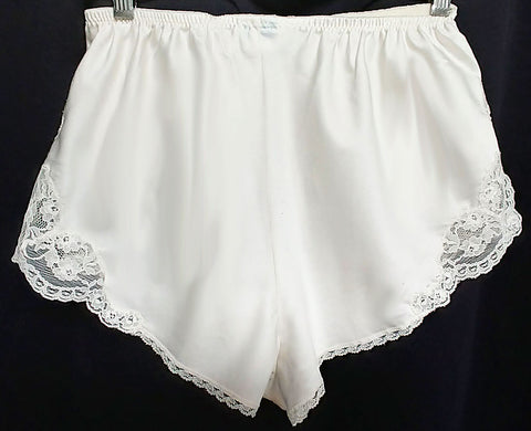 GORGEOUS VINTAGE SARA BETH BRIDAL SATIN PANTIES SPRINKLED WITH PEARLS, EMBROIDERY & LACE - LARGER SIZE