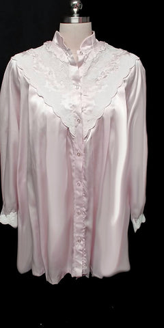 VINTAGE SARA BETH BRIDAL GLEAMING SATIN POET'S SHIRT NIGHTGOWN WITH EXQUISITE LACE & EMBROIDERY