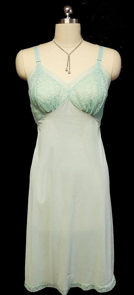 VINTAGE SEAMPRUFE LACE SLIP IN SEA GREEN