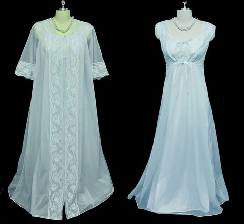 VINTAGE SHADOWLINE PEIGNOIR & NIGHTGOWN SET DRIPPING IN LACE & PEARLS IN VINTAGE BLUE