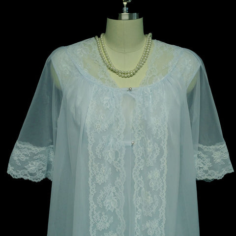 VINTAGE SHADOWLINE PEIGNOIR & NIGHTGOWN SET DRIPPING IN LACE & PEARLS IN CELESTIAL BLUE