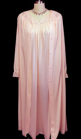SOLD - VINTAGE SHADOWLINE PEIGNOIR & NIGHTGOWN SET IN PEACHES 'N DREAMS