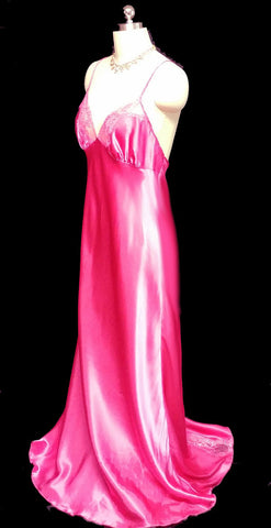 GLAMOROUS VINTAGE SHIRLEY OF HOLLYWOOD RASPBERRY SATIN LACE BIAS CUT NIGHTGOWN
