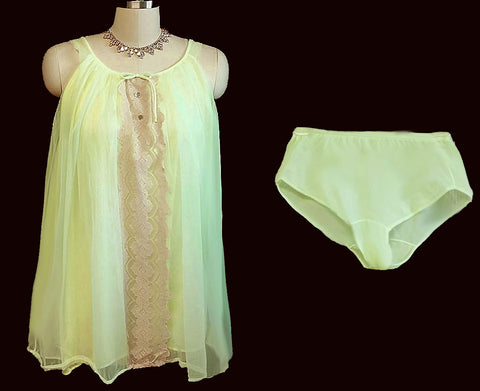VINTAGE DOUBLE NYLON BABY DOLL SHORTY PAJAMA SET WITH PANTIES IN PISTACHIO