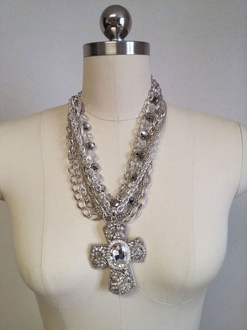 NEW - GORGEOUS NEW OLD STOCK SPARKLING CRYSTAL & CHAINS RHINESTONE CROSS NECKLACE