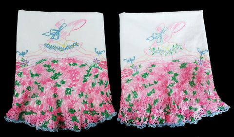 EXQUISITE VINTAGE HEIRLOOM HAND CROCHETED & HAND EMBROIDERED SOUTHERN BELLE PILLOW CASES - 1 PAIR - NEVER USED