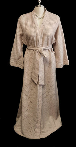 VINTAGE IMPORTED SOFT SWEATER DRESSING GOWN ROBE IN A SHADE CALLED SUEDE