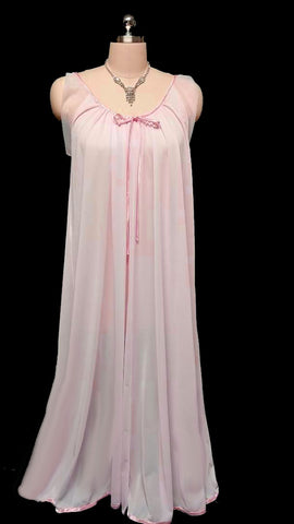 VINTAGE TOSCA VINTAGE LACE & SATIN BRIDAL PEIGNOIR & NIGHTGOWN SET IN DUSTING POWDER