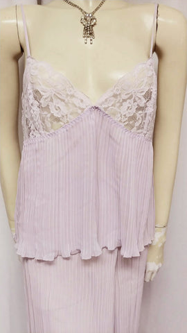 LOVELY LACE & PLEATED PALAZZO LOUNGING OUTFIT / PAJAMA SET IN WISTERIA - LARGE - LIKE NEW