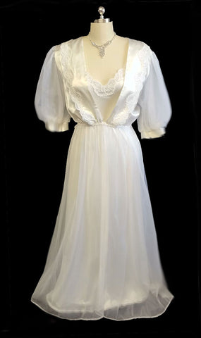 VINTAGE BRIDAL WEDDING NIGHT VAL MODE PEIGNOIR & NIGHTGOWN SET ADORNED WITH LACE APPLIQUES - NEW WITH TAG