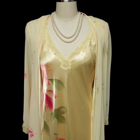 BEAUTIFUL BIAS CUT VALERIE STEVENS SHEER CHIFFON & SATIN PEIGNOIR & NIGHTGOWN SET IN LEMON BUTTER COOKIE