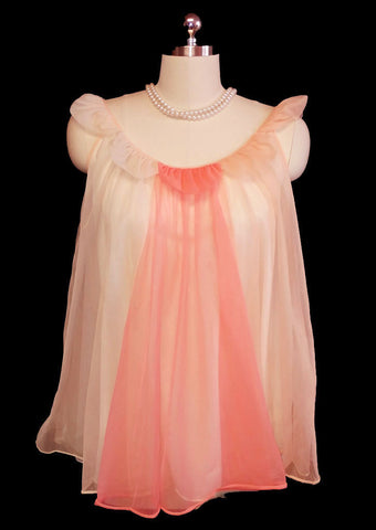 VINTAGE '50s / '60s VANITY FAIR DOUBLE NYLON BABY DOLL SHORTY NIGHTGOWN WITH FLOWERS PETALS NECKLINE