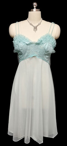 VINTAGE VANITY FAIR RUFFLES & LACE NIGHTGOWN IN LAGOON