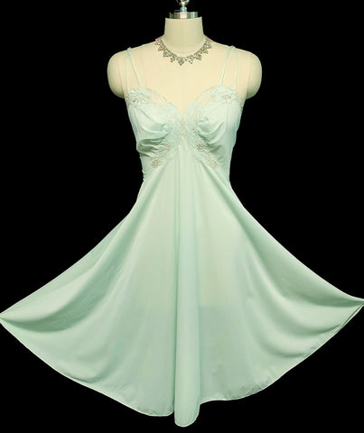 SOLD - VINTAGE VANITY FAIR APPLIQUE NYLON TRICOT NIGHTGOWN IN MINT LEAF