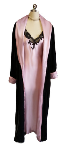 VICTORIA'S SECRET SATINY SILK & BLACK LACE BIAS CUT NIGHTGOWN & FREE MATCHING VELOUR ROBE