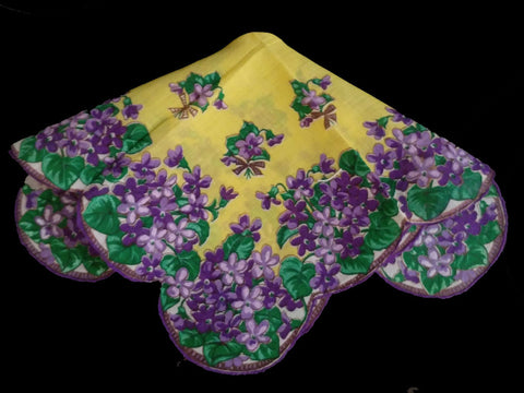 SOLD - VINTAGE SCALLOPED HANDKERCHIEF WITH VIOLETS & BOWS