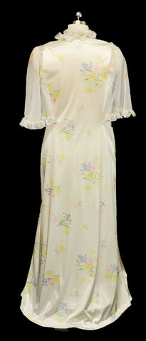 VINTAGE VERY FEMININE RUFFLY FLORAL PEIGNOIR & DOUBLE NYLON NIGHTGOWN SET
