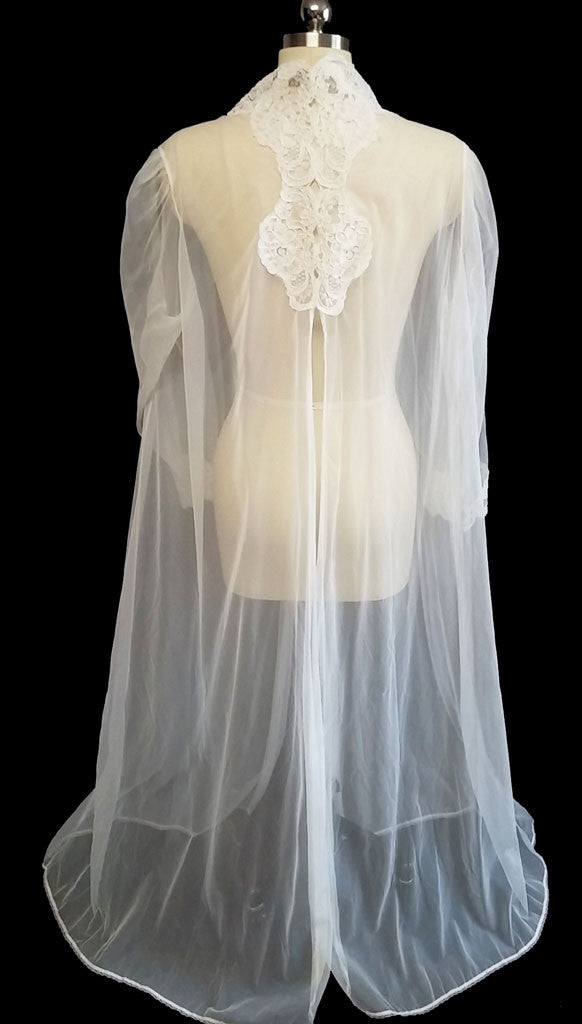 ca7c6d691 BEAUTIFUL SHEER BRIDAL NYLON PEIGNOIR ADORNED WITH CHANTILLY LACE APPLIQUES    GORGEOUS BACK