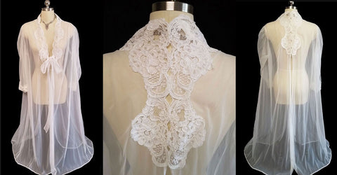 BEAUTIFUL SHEER BRIDAL NYLON PEIGNOIR ADORNED WITH CHANTILLY LACE APPLIQUES & GORGEOUS BACK