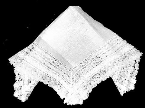 VINTAGE VERY FEMININE WHITE LACE WEDDING HANDKERCHIEF WITH LARGE LACE BORDER