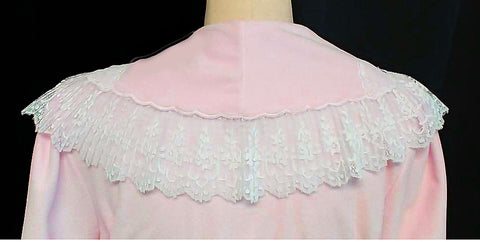 VINTAGE GLAMOROUS 1980s VANITY FAIR PINK VELOUR DRESSING GOWN ROBE WITH HUGE PLEATED LACE EMBROIDERED SHAWL COLLAR