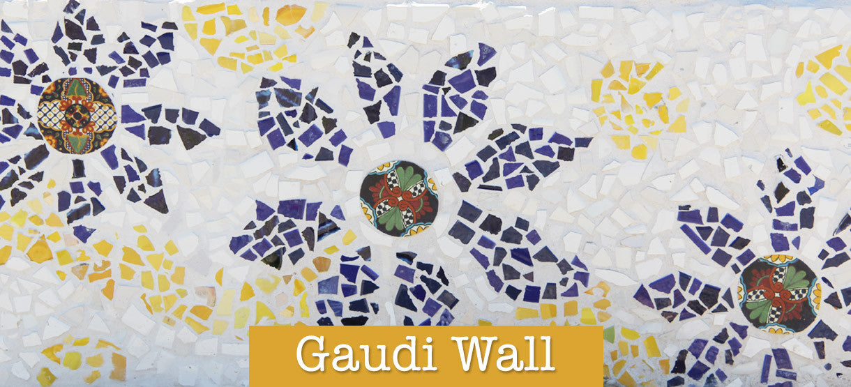 little red hen gaudi wall