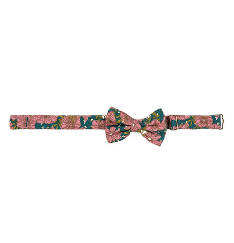 This is a child-sized green clip-on bow tie designed pink roses.