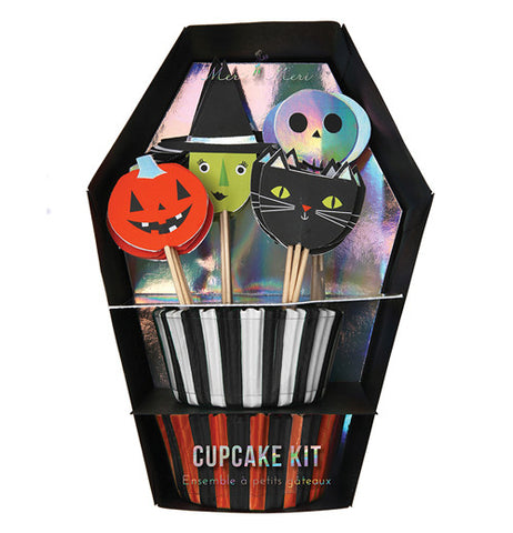 Cupcake kit with halloween theme, featuring a jack-o-lantern, a green witch with a hat, a black cat, and a skull.