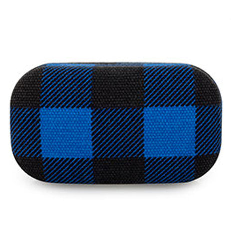 Blue plaid travel case.