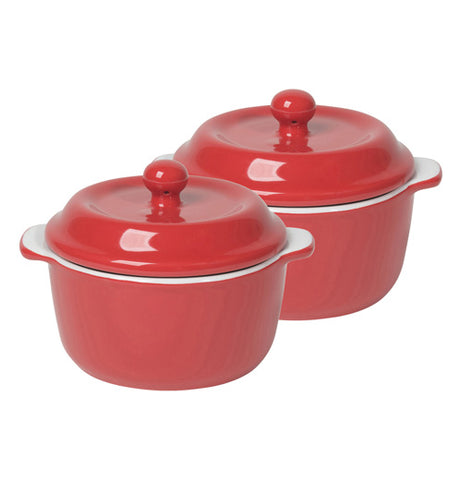 A set of cocotte stoneware in red