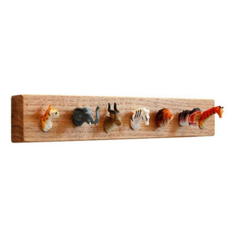This is an holder for holding purses, jewelry and keys with diffrent animals.