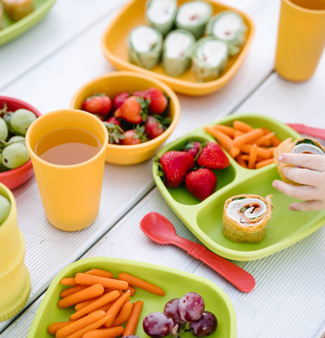 The food on the Baby Plate goes well with bowls, cups, containers, and utensils that also fills food.