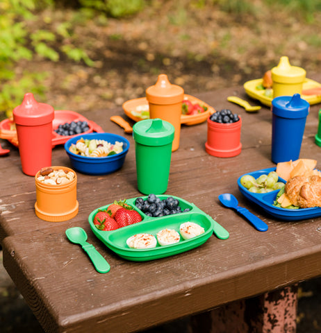 "The ""Primary"" Spill Proof Cups comes in color of green, blue, red, orange, and yellow, and it's fabulous for other eating sets on the picnic table."