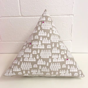 Sew Your Own: Pyramid Pillow - Friday 1/26*, 6-8:30pm - Owl & Drum