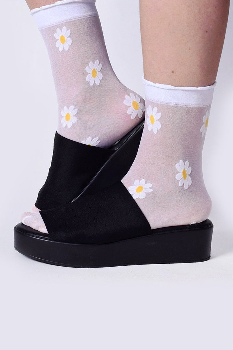 Sheer Daisy Ankle Socks
