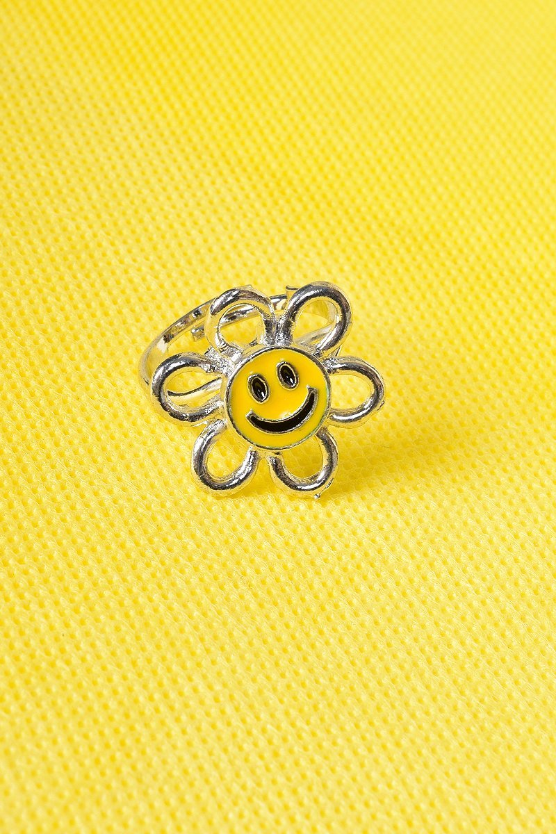 90s Happy Flower Ring